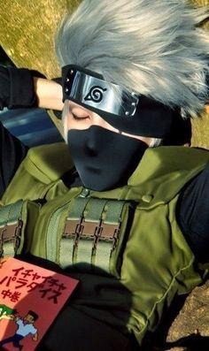 Naruto: Kakashi <<<I'm pinning this for the hair; that's anime hair done right! Kakashi Hatake, Naruto Uzumaki, Anime Naruto, Gaara, Naruhina, Naruto Cosplay, Cosplay Anime, Epic Cosplay, Cosplay Makeup