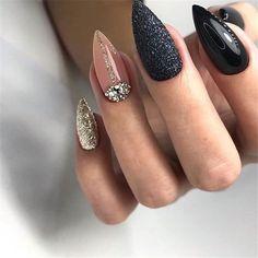 Creative Nail Designs, Creative Nails, Almond Acrylic Nails, Almond Nails, Stiletto Nails, Toe Nails, Nagel Stamping, Stylish Nails, Black Nails