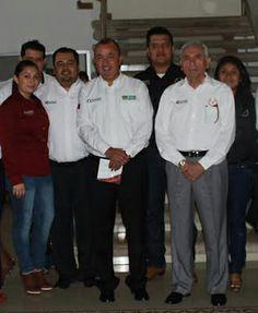 """Aceptando la cordial invitación de los alumnos de la Facultad de Ingeniería """"Arturo Narro Siller"""" de la Universidad Autónoma de Tamaulipas para ser su padrino de generación 2009-2013"""