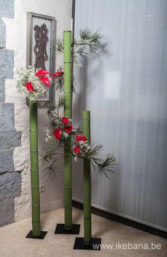 Ikebana with Bamboo at Exhibition - Ilse Beunen Ikebana Arrangements, Ikebana Flower Arrangement, Floral Arrangements, Art Floral, Deco Floral, Floral Design, Stage Decorations, Flower Decorations, Wedding Decorations