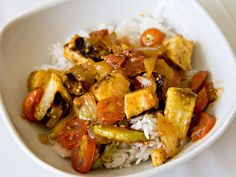Kohlrabi curry. THIS RECIPE WAS USELESS!! Well, not completely. The bit about roasting the Kohlrabi was good.