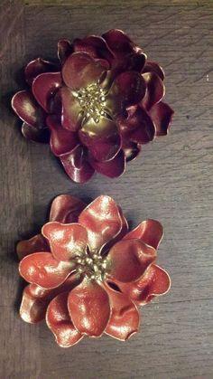 Flores con cucharillas de plástico