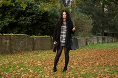 LEAVES | TheChicItalian | New fall outfit with Mango, River Island & more - Go to the blog for more details!