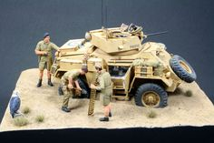 1/35 Desert Diorama, The Rat Patrol, North African Campaign, Desert Colors, Diorama Ideas, Military Modelling, Military Diorama, Panzer, Armored Vehicles