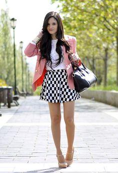 Short a cuadros con saco rosa