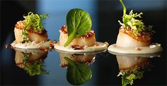 Jardin Catering for Weddings, comprehensive catering service with event organisation by Dani and Macarena de Castro, based in the Port of Alcudia Fancy Food Presentation, Gourmet Recipes, Cooking Recipes, Cocina Natural, Dinner Party Recipes, How To Grill Steak, Molecular Gastronomy, Savoury Cake, Restaurant Recipes