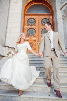 Tamara Elise Photography: Witney & Gage: Salt Lake Temple Wedding ---- I actually love the sleeves.