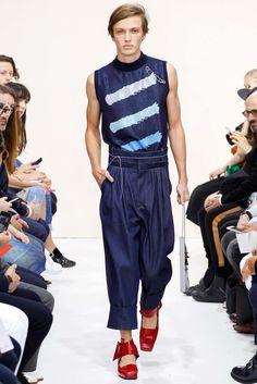 J.W.Anderson Spring 2016 Menswear Fashion Show - Lucas Jayden Satherley