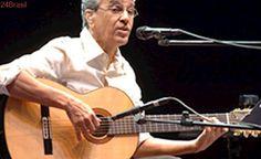 Caetano Veloso se rende a hit de MC Beijinho e pode cantar música em show