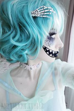 Make up pastel goth(♥. Vêtements Goth Pastel, Pastel Goth Makeup, Pastel Goth Fashion, Cosplay Makeup, Costume Makeup, Cute Makeup, Hair Makeup, Awesome Makeup, Pastell Goth Outfits