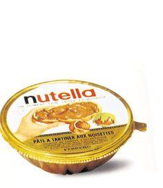 maman nous achetait parfois à la boulangerie ces petites coupelles de Nutella, qu'elle utilisait ensuite pour présenter des entremets ou de la salade de fruits