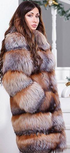 Fabulous Fox, Fur Fashion, Fox Fur, Mantel, Fur Coat, Sexy Women, Beautiful Women, Long Hair Styles, Latina