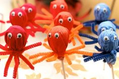 DIY Under The Sea Octopus lollipops  Twist pipe cleaners around the base of a lollipop for legs and add googly eyes. So cute!