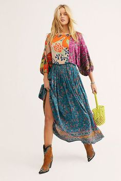 Free People's cute dresses fit every occasion! Shop online for summer dresses, sundresses, casual dresses, white boho maxi dresses & more. Short Beach Dresses, Spring Dresses, Outfits Dress, Dresses Dresses, 1950s Dresses, Punk Outfits, Vintage Dresses, Backless Maxi Dresses, Bohemian Mode