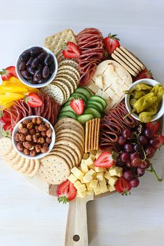 Home - Busy But Healthy Party Food Buffet, Party Food Platters, Cheese Platters, Healthy Menu Plan, Easy Healthy Recipes, Party Finger Foods, Party Snacks, Fruit Presentation, Tapas Dishes