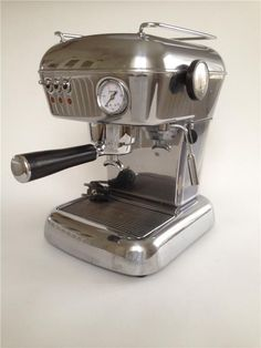 Tradera ᐈ Köp & sälj begagnat & second hand Espresso Machine, Coffee Maker, Kitchen Appliances, Design, Espresso Coffee Machine, Coffee Maker Machine, Diy Kitchen Appliances, Coffee Percolator, Home Appliances