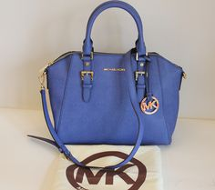 f0f9b1cb8124 To give that outfit a pop of color - Michael Kors bag