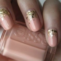 Amazing wedding or hen party nails!  For hen party ideas visit www.henweekends.net or call 01773766051
