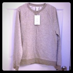 H&M grey sweater Comfy grey sweater. Never been worn, NWT H&M Sweaters Crew & Scoop Necks
