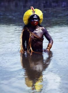 Full serie of images from the Mekaron project Arte Plumaria, Amazon People, Forest People, Most Beautiful Black Women, First Humans, First Nations, World Cultures, Photojournalism, Body Painting