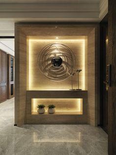 feature wall lighting effect Home Entrance Decor, Entrance Design, House Entrance, Entryway Decor, Interior Walls, Best Interior, Luxury Interior, Niche Design, Wall Design