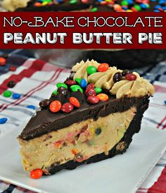 I love this no-bake MM chocolate peanut butter pie. What's better than a delicious chocolate and peanut butter pie is one that doesn't take time in the oven! Peanut Butter No Bake, Peanut Butter Filling, Butter Pie, Peanut Butter Recipes, Chocolate Peanut Butter, Cream Butter, Butter Frosting, No Bake Desserts, Easy Desserts