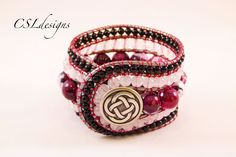 This is a tutorial on how to make a 5 row wrap around bracelet. Please feel free to give it a go yourself and I hope you enjoy. T-pins: http://goo.gl/a1h0wi ...