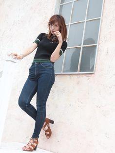 Beautiful Asian Women, Vintage Jeans, Asian Woman, Denim, Womens Fashion, Model, Pants, Style, Trouser Pants