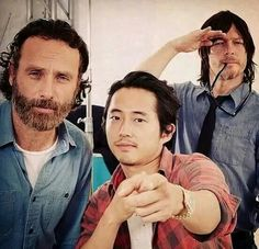The Walking Dead - Andrew Lincoln, Steven Yeun and Norman Reedus (Rick, Green and Daryl) Steven Yeun, Glenn The Walking Dead, The Walk Dead, Norman Reedus, Glenn Y Maggie, The Walking Dead Merchandise, Talking To The Dead, Zombie Movies, Dead Zombie