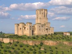 de la Barra photography, honeymoon ideas, honeymoon in Europe, Belalcazar… Chateau Medieval, Medieval Castle, Places Around The World, Around The Worlds, Castle Ruins, Beautiful Castles, Fortification, Spain And Portugal, Architecture Old