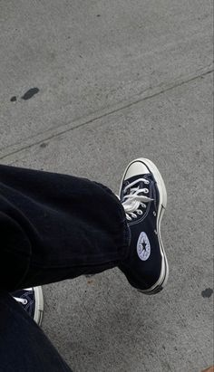 Aesthetic Shoes, White Aesthetic, Marie Von Behrens, Chuck Taylor Sneakers, Aesthetic Pictures, Me Too Shoes, Fashion Outfits, My Style, Stylish