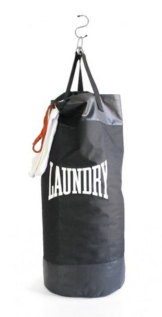 Punching bag Laundry bag from Suck UK you can order at Cadeau. - Punching bag Laundry bag from Suck UK Fill the bag with dirty laundry and go crazy. A full bag take -