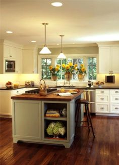 Liking the shaker style cabinets and pulls
