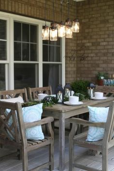 Entertaining A fresh inviting look on the patio