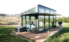 This is a transparent tiny house in Waipara, South Island, New Zealand. It's a vacation tiny home nestled over Waipara Valley. The most amazing part? Tiny House Hotel, Tiny House Talk, Best Tiny House, Modern Tiny House, Glass House Design, Home Ceiling, Tiny Houses For Sale, Cabins And Cottages, Bird Houses