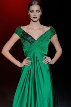 Hannibal Laguna - Ready-to-Wear - Fall-winter Hannibal Laguna, Mercedez Benz, High Fashion, Womens Fashion, Net Fashion, Stunning Dresses, Costume Design, Ready To Wear, Fashion Dresses