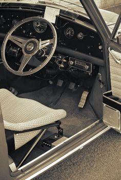 MINI Mini Cooper Classic, Mini Cooper S, Classic Mini, Classic Cars, Mini Countryman, Car Interiors, Mini S, Mk1, Hot Wheels