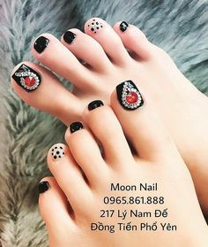 Pin by Tranthiyen on Mau nail in 2019 Pretty Toe Nails, Sexy Nails, Pretty Nail Art, Classy Nails, Love Nails, Toenail Art Designs, Pedicure Designs, Pedicure Nail Art, Diy Nail Designs