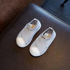 814893ce331 2018 hot sales fashion Nye søde baby sneakers høj kvalitet lys baby piger  drenge sko slip på dejlige baby tilfældige sko
