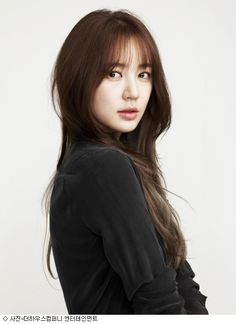 I absolutely love Yoon Eun Hye. Such a talented actress. :)