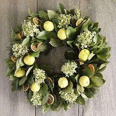 magnolia-wreath3.jpg 360×360 pixels