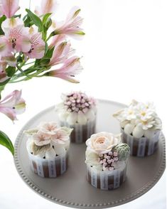 mikasarafunia - 0 results for cupcake bouquet Korean Buttercream Flower, Buttercream Flower Cake, Flower Cupcakes, Beautiful Cakes, Amazing Cakes, Buttercream Cake Decorating, Rhubarb Cake, Gateaux Cake, Salty Cake