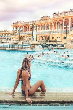 2 days in Budapest Hungary: your stylish Budapest itinerary Visit Budapest, Budapest Travel, Budapest Hungary, Voyage Hawaii, Budapest Thermal Baths, Hallstatt, Places To Travel, Places To Visit, Budapest Things To Do In