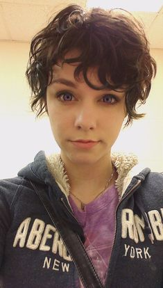A front shot of my curly pixie - Imgur