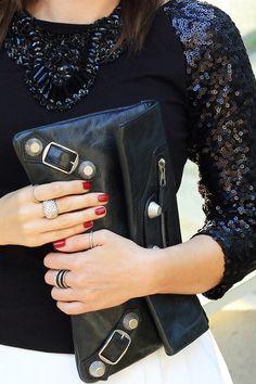 Balenciaga clutch Star Fashion, Fashion Beauty, Fashion Outfits, Balenciaga Clutch, Stylist Pick, Style Star, Envelope Clutch, Her Style, Confessions