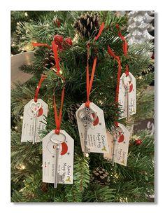 Rustic Christmas Crafts, Diy Christmas Tags, Christmas Fair Ideas, Christmas Craft Projects, Christmas Wood, Christmas Decorations To Make, Magic Of Christmas, Christmas Ornaments To Make, Old Key Crafts