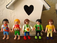 Love these colorful Playmobil girls!