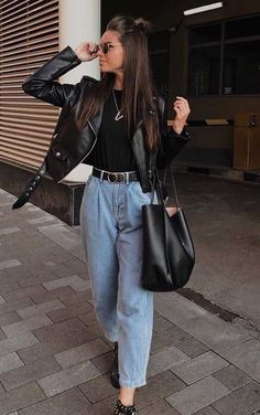 trendy: come and see how to wear slouchy jeans, the new hit of 2020 – RG OWN by Lu K! Cute Winter Outfits, Winter Fashion Outfits, Look Fashion, Spring Outfits, Autumn Fashion, Fashion Dresses, Fashion Clothes, Fashion Women, Zara Fashion