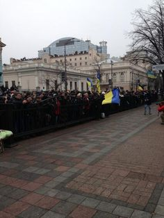 """Twitter / """"RichardEngel: Crowds swelling, cheering in front of parliament. They say the revolution is victory for democracy #ukraine""""  5:57 am et - 22 Feb 2014"""