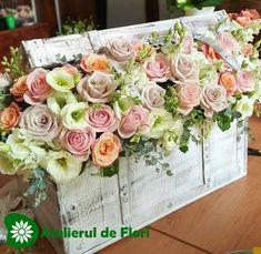 Decor floral cufar cu trandafiri Floral Wreath, Wreaths, Home Decor, Pictures, Homemade Home Decor, Door Wreaths, Deco Mesh Wreaths, Garlands, Floral Arrangements